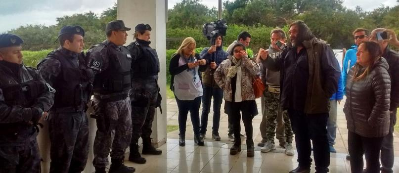En este momento estás viendo REPUDIO del SADOP a la intimidación ejercida por agentes de la policía bonaerense a delegados de SUTEBA y su Secretario General Roberto Baradel